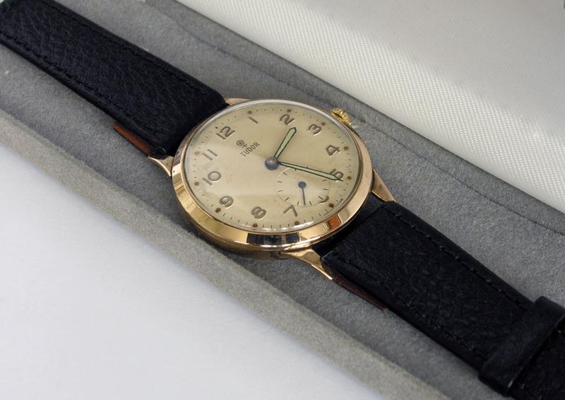 Часы ROLEX (Tudor) в прекрасном состоянии. . Датирую 40-ми годами. . Сохранены в оригинальном, первозданном виде