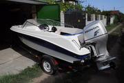 Продам пластиковую моторную лодку