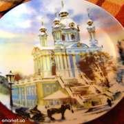 Декоративную тарелку с изображением Андреевской церкви Киева