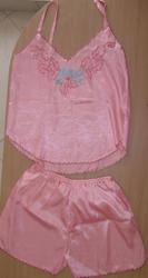 Продам атласный розовый комплект-пижамку.