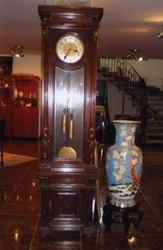 Часы напольные в резном деревянном корпусе Karfen - Gong
