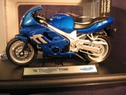 Triumph TT 600 '02 (Welly) 1:18.