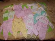 Продам пакет вещичек на малышку возрастом от 0 до 3 месяцев