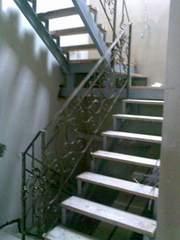 Неудобно подниматься на второй этаж? Обращайся!