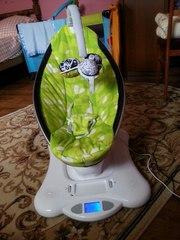 Продам!!Укачивающий центр детское кресло качалка 4moms mamaRoo