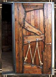 Двери деревянные стилизированные под старину