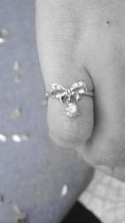 Колечко бантик с бриллиантами