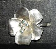 Кольцо Tiffany с голубыми бриллиантами