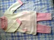 Продам новый трикотажный костюмчик на девочку 6-12 месяцев