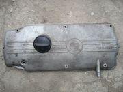 Крышка клапанов двигателя BMW M10.