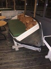 Хочу диван. Куплю деревянную лодку,  чтоб сделать диван.