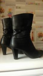Ботинки кожаные р-38,  Таирово.