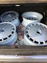 Срочно  продаются  4 титановых диска R15x5