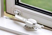 Замена фурнитуры на окнах.  Ремонт окон Одесса.