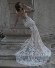 Продам НОВОЕ свадебное платье  бренда DOMINISS модель DZHAKLIN
