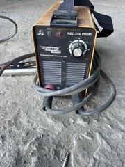 Сварочный инверторный аппарат Kaiser nbc-250