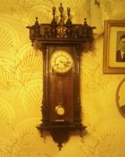 Продам старинные настенные часы